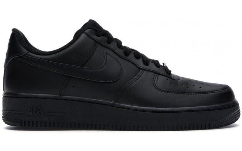 Кросівки Nike Air Force 1 07 Low Triple Black W