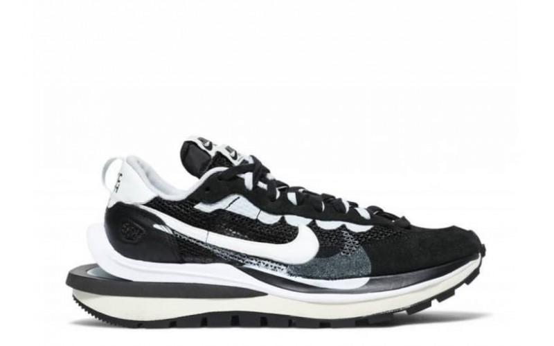 Женские кроссовки Nike Vaporwaffle Sacai Black White CV1363-001
