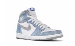 Женские кроссовки Jordan 1 Retro High OG Hyper Royal 555088-402