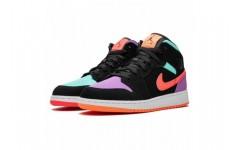 Женские кроссовки Jordan 1 Mid Multi-Color 554725-083